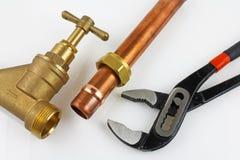 Nouvelle canalisation de cuivre prête pour la construction Photo stock