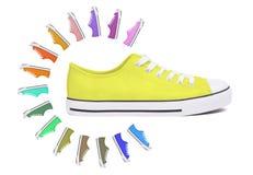 Nouvelle chaussure d'espadrille - jaune Images libres de droits