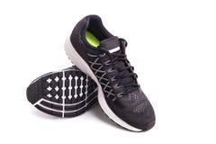 Nouvelle chaussure noire d'espadrilles Pris au studio et d'isolement sur le blanc Photo libre de droits
