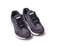 Nouvelle chaussure noire d'espadrilles Pris au studio et d'isolement sur le blanc Photographie stock libre de droits