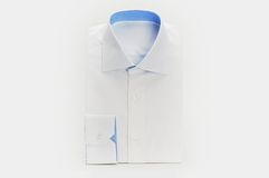 Nouvelle chemise habillée blanche Photo stock