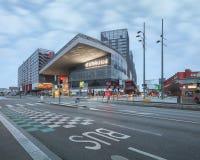 Nouvelle gare ferroviaire moderne établie remarquable de Lille l'Europe Photographie stock libre de droits