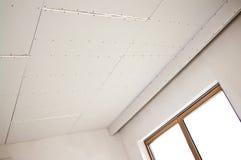 Nouvelle installation de plafond photographie stock