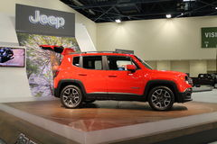 Nouvelle jeep de comact sur le support Photos stock