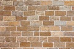 Nouvelle maçonnerie ordonnée faite de bons blocs de coquille Photo stock