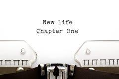 Nouvelle machine à écrire du chapitre un de la vie photographie stock libre de droits