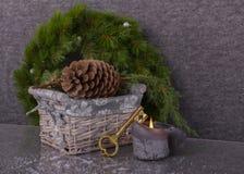Nouvelle maison de concept dans Noël Photographie stock