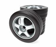 Nouvelle roue de voiture avec le pneu d'hiver empilé  Photographie stock libre de droits