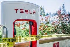 Nouvelle station de charge de Tesla image stock