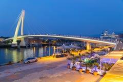 Nouvelle ville de Taïpeh, Taïwan - vers en août 2015 : Pont d'amant de Tamsui dans la nouvelle ville de Taïpeh, Taïwan au coucher Photos stock
