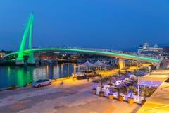 Nouvelle ville de Taïpeh, Taïwan - vers en août 2015 : Pont d'amant de Tamsui dans la nouvelle ville de Taïpeh, Taïwan au coucher Images stock