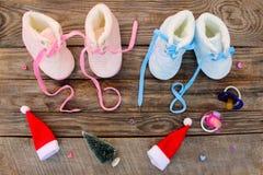 2018 nouvelles années écrites des dentelles des chaussures du ` s d'enfants Photos libres de droits