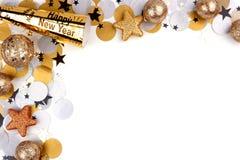 Nouvelles années d'Ève de frontière de coin des confettis et décor au-dessus de blanc Photos stock