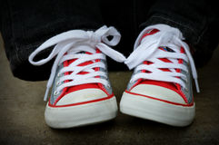 Nouvelles chaussures, garçons Images stock