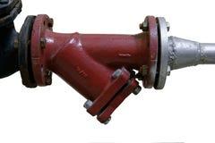 Nouvelles conduite d'eau rouge et valve de l'eau D'isolement sur le fond blanc Images libres de droits