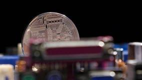 Nouvelles cryptos finances d'honoraires de devise, de bitcoin et d'ordinateur banque de vidéos