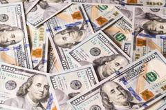 Nouvelles 100 factures de dollars US Photos stock