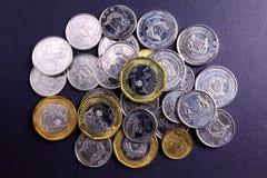 Nouvelles pièces de monnaie de Singapour Photo stock