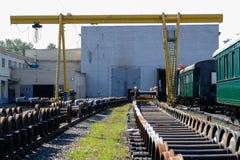 Nouvelles roues en métal de train Photos stock