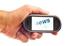 Nouvelles sur le smartphone image stock