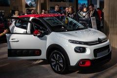 Nouvelles voitures de Citroen sur le cinquante-quatrième Salon international de voiture et d'Automobile de Belgrade photos stock
