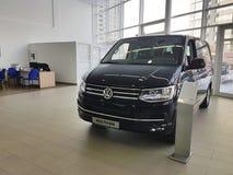 Nouvelles voitures de l'Ukraine Kiev le 25 février 2018 dans le Salon de l'Automobile de Volkswagen Image libre de droits