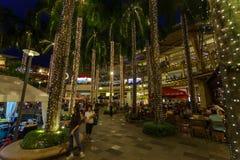 Nov 30,2017 Greenbelt 3 nocy widok od parka, Makati, Philippin obrazy stock