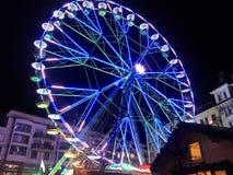 2017 24 Nov. Montreux Zwitser - Ferris Wheel bij Kerstmismarkt in Montreux, Zwitserland Royalty-vrije Stock Afbeeldingen