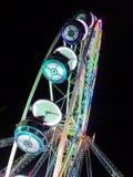 2017 24 Nov. Montreux Zwitser - Ferris Wheel bij Kerstmismarkt in Montreux, Zwitserland Royalty-vrije Stock Foto
