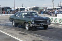 Nova de Chevrolet à la ligne de départ Image stock