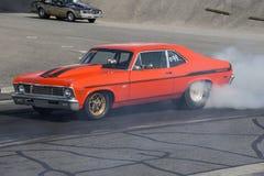 Nova de Chevrolet en la línea de salida Foto de archivo
