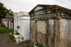 Nova Orleães - acima do cemitério à terra Imagens de Stock Royalty Free