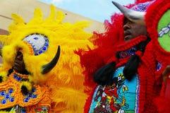 NOVA ORLEÃES, LA/USA -03-18-2012: Afro-americanos em Mardi Gr Imagens de Stock Royalty Free