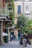 Nova Orleães, LA/USA - cerca do março de 2009: Ruas do bairro francês em Nova Orleães, Louisiana Imagens de Stock Royalty Free
