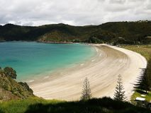 Nova Zelândia: Opinião da baía de Matauri Foto de Stock