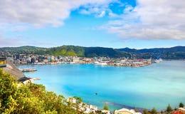 Nova Zelândia, Wellington Harbor, baía oriental, cozinheiro Strait imagem de stock