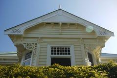 Nova Zelândia: casa de madeira clássica da casa de campo Foto de Stock Royalty Free