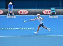 Novak Djokovic играя в открытом чемпионате Австралии по теннису стоковые фото