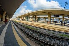 Novara, Italien - 17. Oktober 2016: Die Bahnstation in Italien lizenzfreie stockbilder