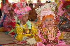 Novato en festival Poy-Cantar-largo en septentrional de Tailandia. fotos de archivo