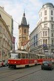 Nove Mesto oder neue Stadt von Prag Turm neuem von Rathaus und von einer Stadttram Lizenzfreies Stockfoto
