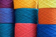 nove palle del filato colorate multiplo Fotografie Stock Libere da Diritti