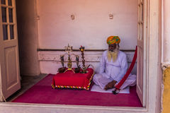 5. November 2014: Alter Mann im Mehrangarh-Fort in Jodhpur, herein Stockfotografie