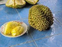 November 2017 - Bangkok, Thailand - offener asiatischer Markt in Bangkok, in dem frischer Durian reichlich ist lizenzfreie stockfotografie