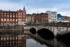 15 november, 2017, Cork, Ierland - Mening van de brug van Heilige Patrick ` s Stock Foto