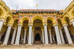 November 13, 2014: Fasad av den Thirumalai Nayakkar Mahal palacen Arkivbilder