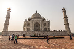 02 november, 2014: Frontale mening van Taj Mahal in Agra, India Stock Foto's