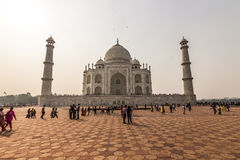 02 november, 2014: Frontale mening van Taj Mahal in Agra, India Royalty-vrije Stock Foto