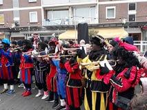 24-November-2018 Haga, holandie, Europa Świętujący przyjazd Holenderski Świątobliwy Nicholas, nazwany Sinterklaas z jego, jak obrazy royalty free