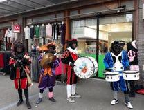 24-November-2018 Haga, holandie, Europa Świętujący przyjazd Holenderski Świątobliwy Nicholas, nazwany Sinterklaas z jego, jak obraz royalty free